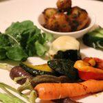 季節の野菜を使った夕食